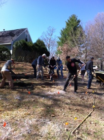 15 GPG members starting the beds. Others are sifting home compost for innoculating the soil.